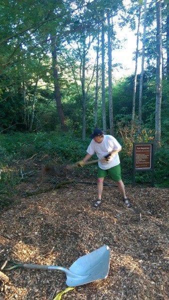 Allen slinging mulch (2)